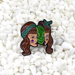 Jewelry - Alien Girl Enamel Pin